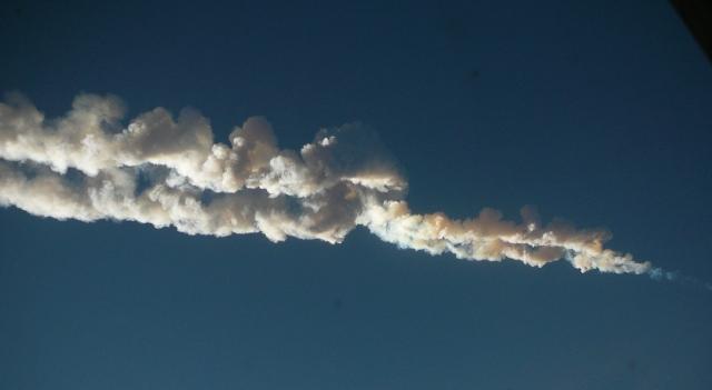 Closeup showing the distinctive double train of the Russian meteor. Credit: Nikita Plekhanov